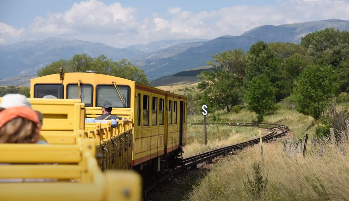 petit train jaune pyrenees